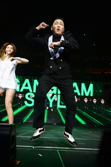 PSY - Q102 Jingle Ball - The Wells Fargo Center - Philadelphia, PA - December 5, 2012 - photo courtesy of DKC � 2012