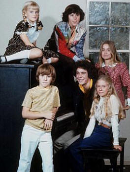 Susan Olsen, Christopher Knight, Maureen McCormick, Todd Lookinland, Barry Williams and Eve Plumb