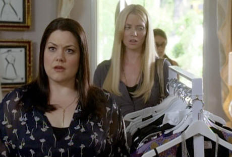 Brooke Elliott as Jane and April Bowlby as Stacy in 'Drop Dead Diva.'