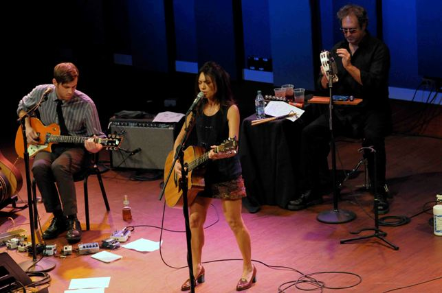 Susanna Hoffs - World Caf� Live - Philadelphia, PA - November 4, 2012 - photo by Jim Rinaldi � 2012