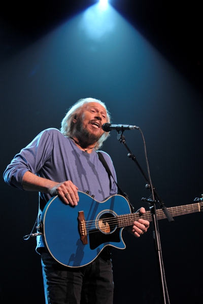 Barry Gibb - Wells Fargo Center - Philadelphia, PA - May 19, 2014 - photo by Jim Rinaldi � 2014