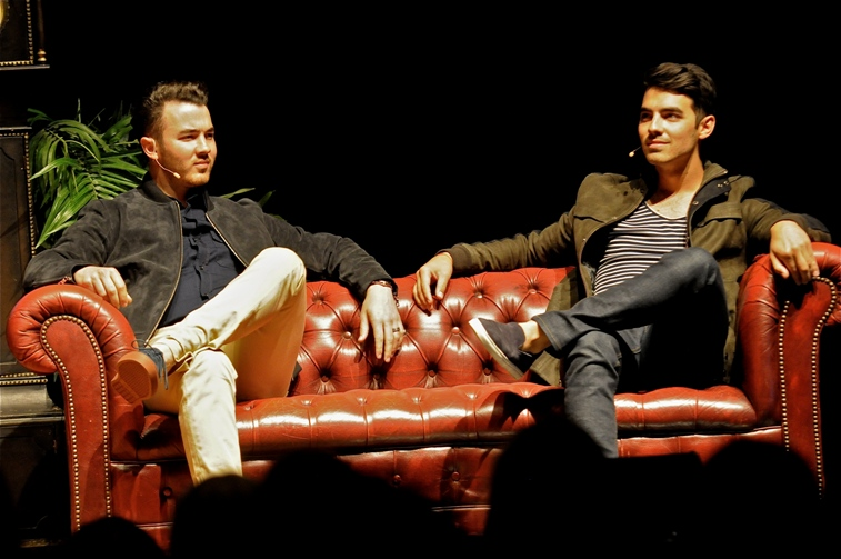 An Evening with Kevin and Joe Jonas � Keswick Theater � Glenside, PA � June 7, 2014 - photo by Jim Rinaldi � 2014