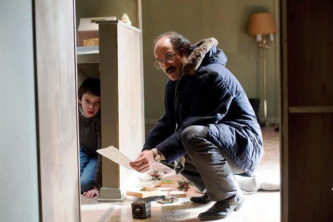 Kodi Smit-McPhee and Elias Koteas star in LET ME IN.