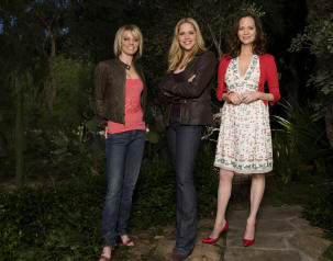 Nichole Hiltz, Mary McCormack and Lesley Anne Warren in the series 'In Plain Sight.'