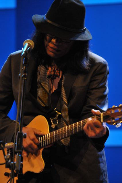 Rodriguez - World Caf� Live - Philadelphia, PA - October 28, 2012 - photo by Jim Rinaldi � 2012