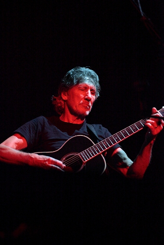 Roger Waters - Yankee Stadium - The Bronx, NY - July 6, 2012 - photo by Mark Doyle � 2012